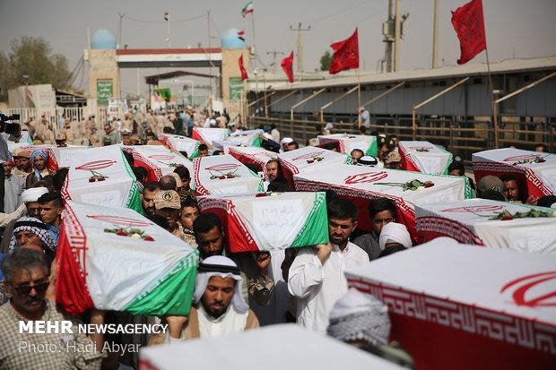 پیکرهای ۷۲ شهید دفاع مقدس از شلمچه وارد کشور شد